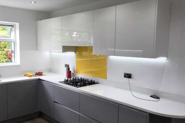 High Gloss GreyMatt White Handleless Designer Kitchen Wolverhampton - Grey and white gloss kitchen