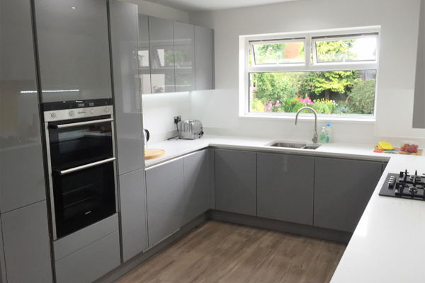 High Gloss GreyMatt White Handleless Designer Kitchen Wolverhampton - Grey fitted kitchens