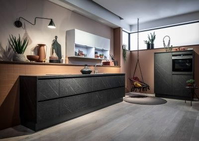 Image of a modern handleless kitchen design from Hacker kitchens.