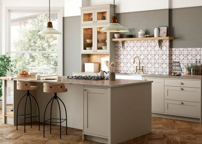 Image of the Shelford Highland traditional kitchen design in stone and portland oak colours.